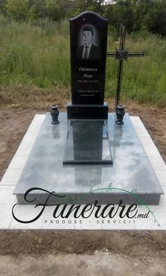 Monument din granit