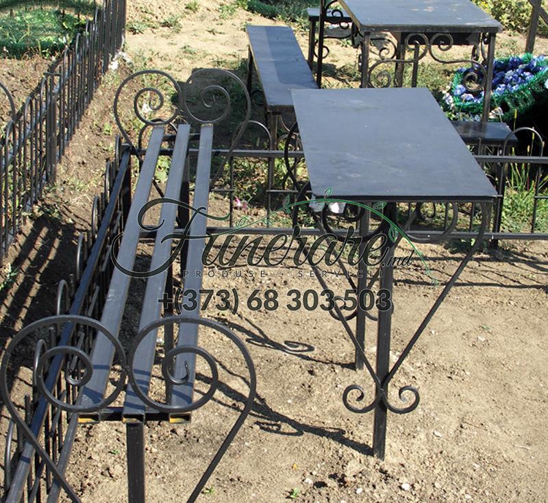Ритуальные металлические столики и скамейки на могилу 0339
