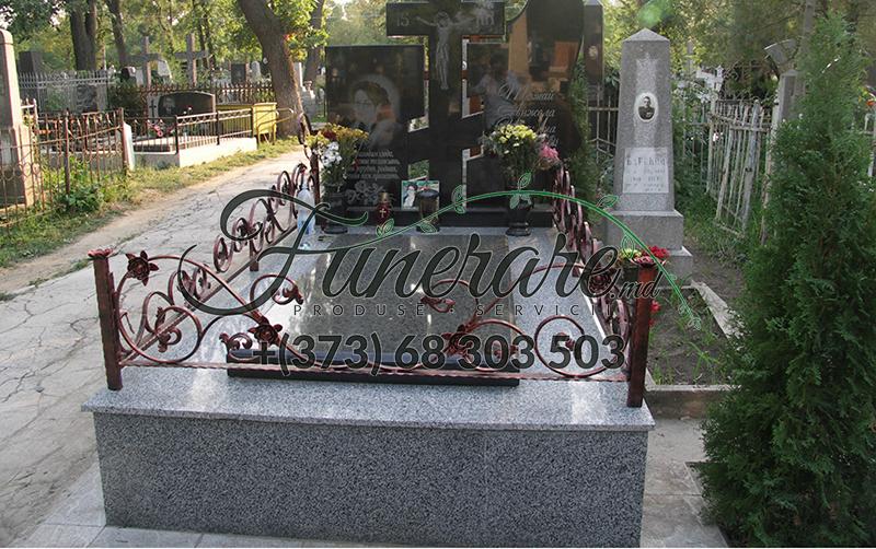 Кованые металлические ограды для кладбища 0359